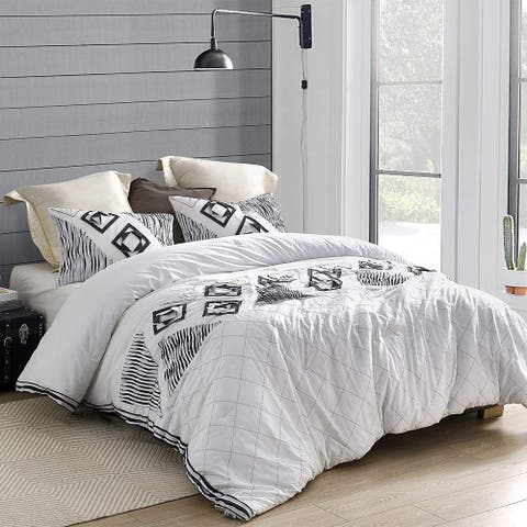 Navy Blowout Textured Oversized Comforter - White/Navy
