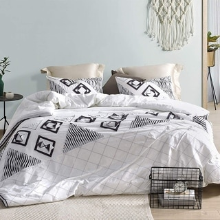 Navy Blowout Textured Oversized Duvet Cover - White/Navy