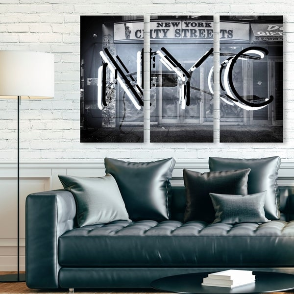 Oliver Gal 'NYC Triptych' Cities and Skylines Wall Art Canvas Print Set - Black, Gray - 17 x 36 x 3 Panels