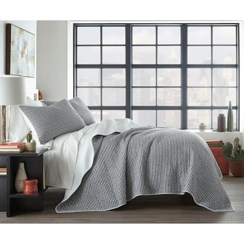 City Scene Leaves Black Cotton Quilt Set