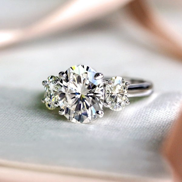 Annello by Kobelli 14k Gold 4ct TGW Oval Moissanite Engagement Ring. Opens flyout.