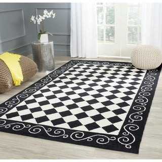 Safavieh Hand-hooked Diamond Black/ Ivory Wool Rug (3'9 x 5'9)