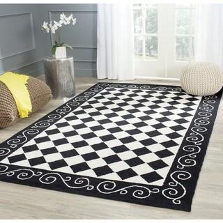 Safavieh Hand-hooked Diamond Black/ Ivory Wool Rug (3'9 x 5'9)