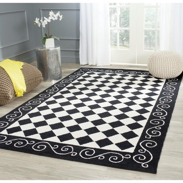 Safavieh Hand-hooked Diamond Black/ Ivory Wool Rug (6' x 9')