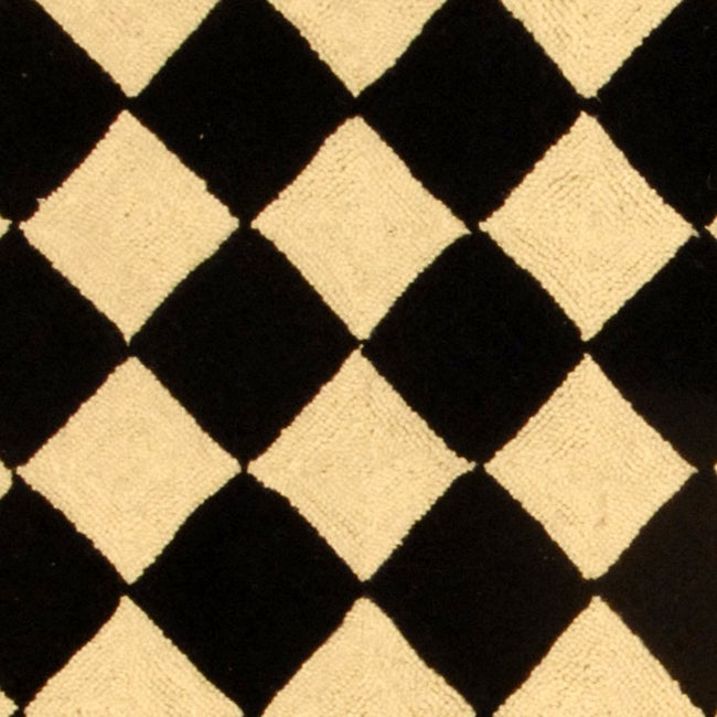 Safavieh Hand-hooked Diamond Black/ Ivory Wool Runner (2'6 x 6') - Thumbnail 1