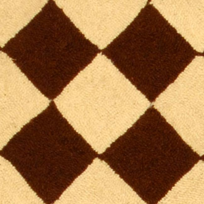 Safavieh Hand-hooked Diamond Brown/ Ivory Wool Runner (2'6 x 6') - Thumbnail 1