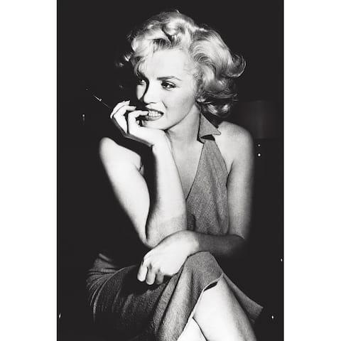 CANVAS Marilyn Monroe Sitting Photographic Print