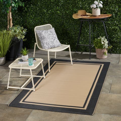Bressi Outdoor Modern Scatter Rug by Christopher Knight Home - 4' X 6'