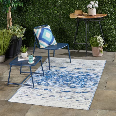 Avila Outdoor Modern Scatter Rug by Christopher Knight Home - 4' X 6'