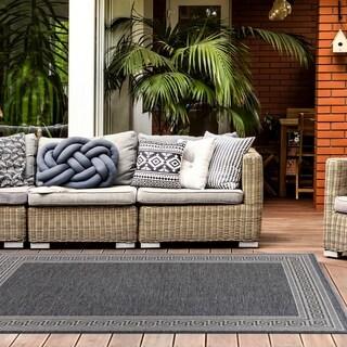 Geometric Border Indoor/Outdoor Area Rug