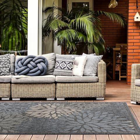 Kanawa Floral Indoor/Outdoor Area Rug by Havenside Home