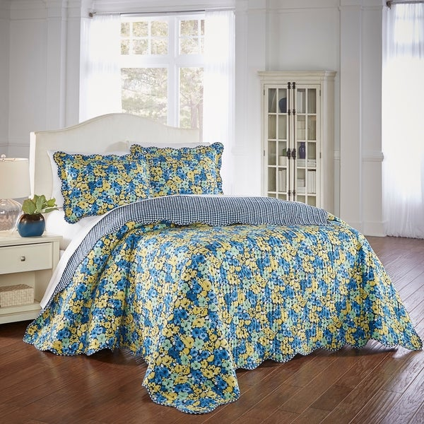 Waverly Shi Shi 3 Piece Bedspread Set. Opens flyout.