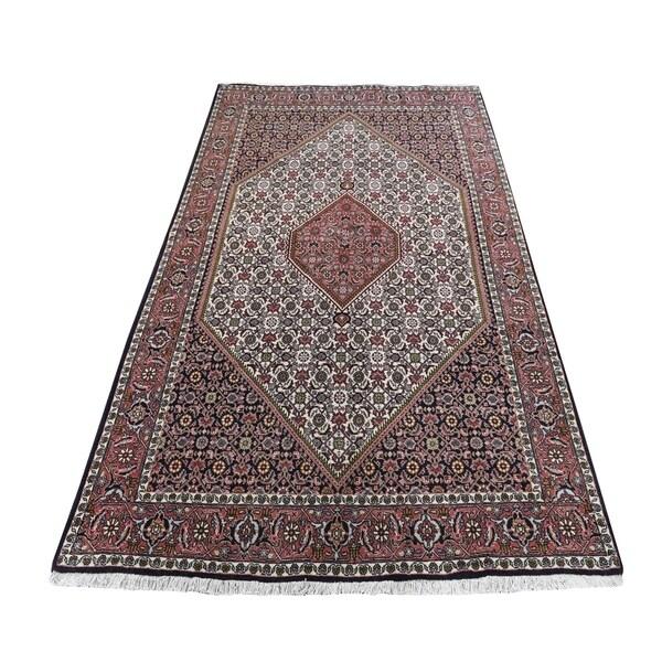"Shahbanu Rugs Red Hand Knotted Persian Bijar Pure Wool Oriental Rug (4'6"" x 7'5"") - 4'6"" x 7'5"""