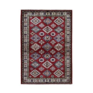 "Shahbanu Rugs Red Super Kazak Pure Wool Geometric Design Hand Knotted Oriental Rug (4'0"" x 5'7"") - 4'0"" x 5'7"""