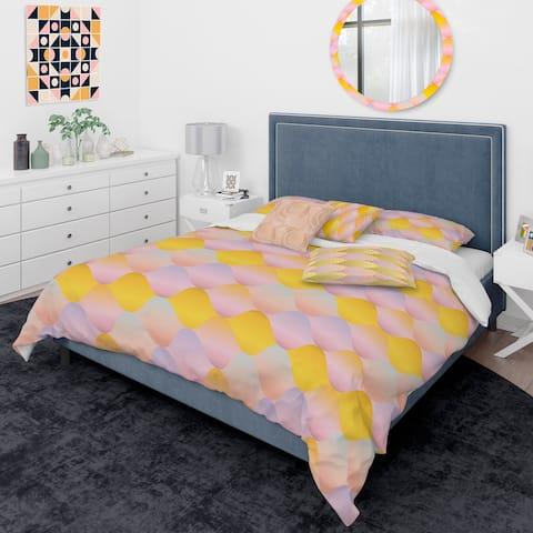 Designart 'Golden Geometrical Diamond Pattern II' Mid-Century Modern Duvet Cover Comforter Set