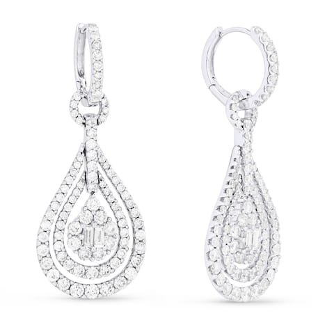 18k White Gold Dangling Earrings with 2.9ct Baguette White Diamonds