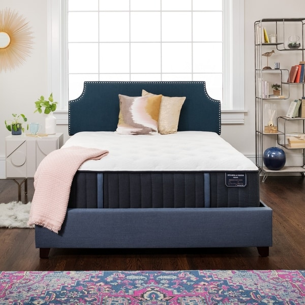 Stearns & Foster Estate 14-inch Cushion Firm Innerspring Mattress Set. Opens flyout.