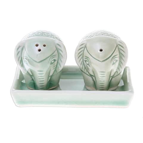 Handmade Elephant Texture Celadon Ceramic Salt And Pepper Shaker, Set of 3 (Thailand)