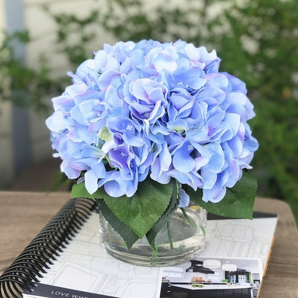Enova Home Silk Hydrangea Flower Arrangement in Clear Vase with Faux Water For Home Wedding Centerpiece