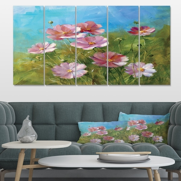 Designart 'Red Wildflowers on A Green Meadow' Traditional Canvas Art