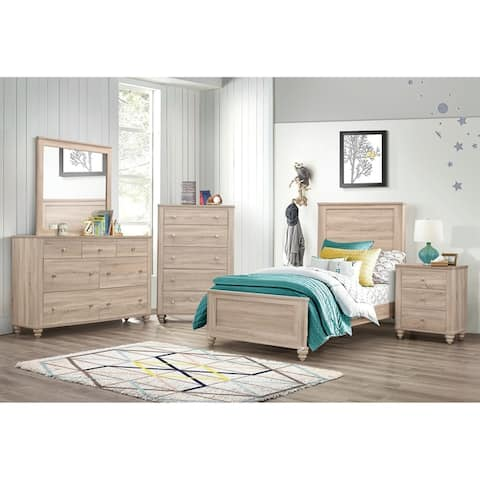 Parella Natural Oak 3-piece Panel Bedroom Set with 2 Nightstands