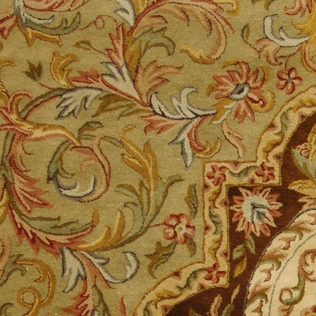 Safavieh Handmade Classic Royal Beige/ Olive Wool Runner (2'3 x 12') - Thumbnail 1