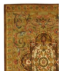 Safavieh Handmade Classic Royal Beige/ Olive Wool Rug (5' x 8') - Thumbnail 2