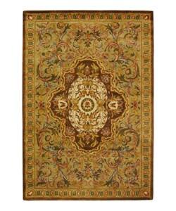 Safavieh Handmade Classic Royal Beige/ Olive Wool Rug - 6' x 9' - Thumbnail 0