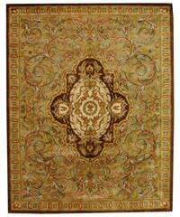 "Safavieh Handmade Classic Royal Beige/ Olive Wool Rug - 7'6"" x 9'6"""