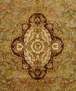 Safavieh Handmade Classic Royal Beige/ Olive Wool Rug (9'6 x 13'6) - Thumbnail 1