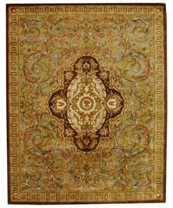 Safavieh Handmade Classic Royal Beige/ Olive Wool Rug (9'6 x 13'6)
