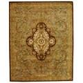 Safavieh Handmade Classic Royal Beige/ Olive Wool Rug - 9'6 x 13'6