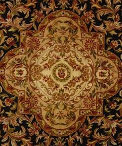 Safavieh Handmade Classic Royal Black/ Beige Wool Rug (8' Round) - Thumbnail 1