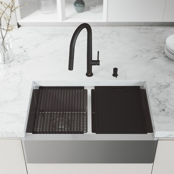 """VIGO 33"""" Oxford Stainless Steel Flat Apron Front 2-Bowl Kitchen Sink Workstation with Greenwich Faucet & Soap Dispenser"""