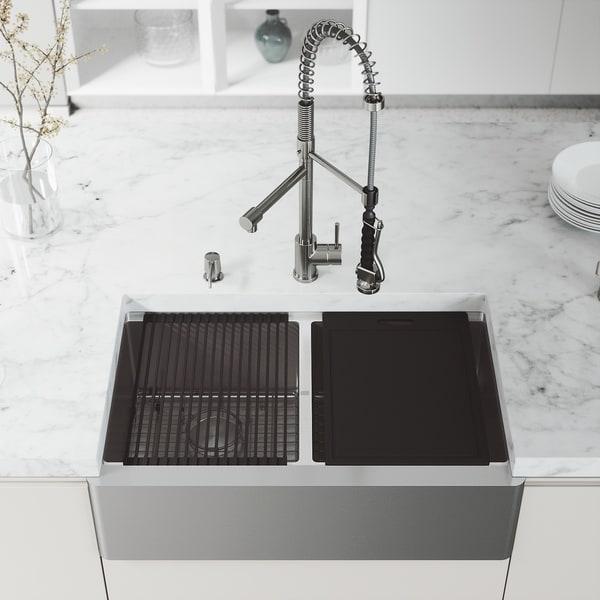 "VIGO 33"" Oxford Stainless Steel Flat Apron 2-Bowl Kitchen Sink Workstation with Zurich Faucet & Soap Dispenser"