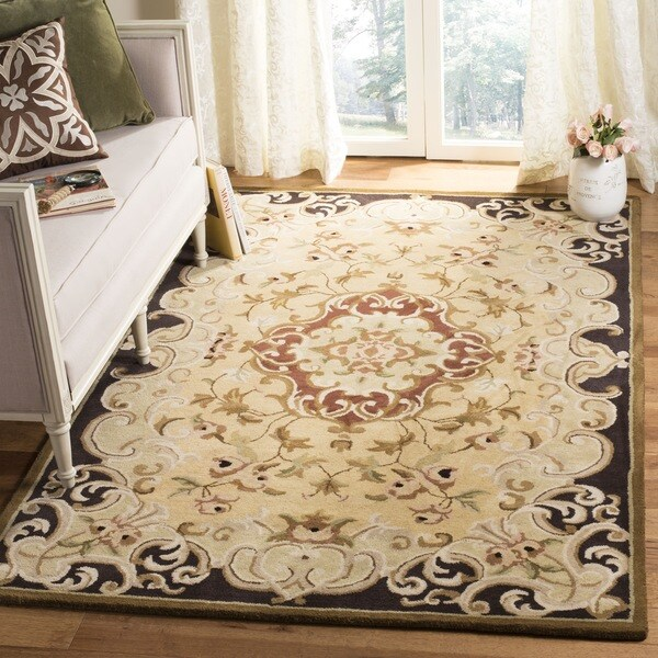 Safavieh Handmade Classic Juliette Gold Wool Rug - 7'6 x 9'6