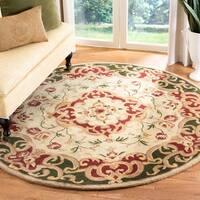 Safavieh Handmade Classic Juliette Ivory/ Green Wool Rug - 8' x 8' Round
