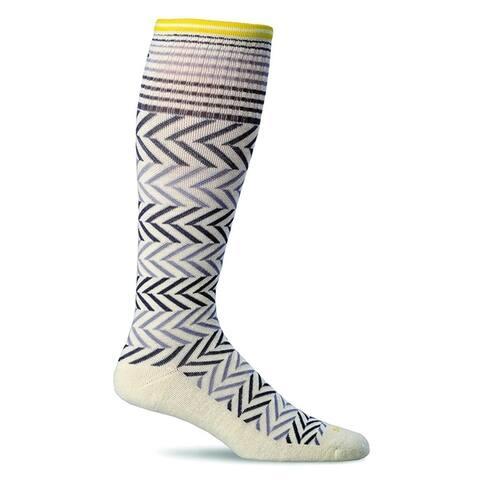 Sockwell Womens Chevron Graduated Compression Socks - Natural - Medium/Large