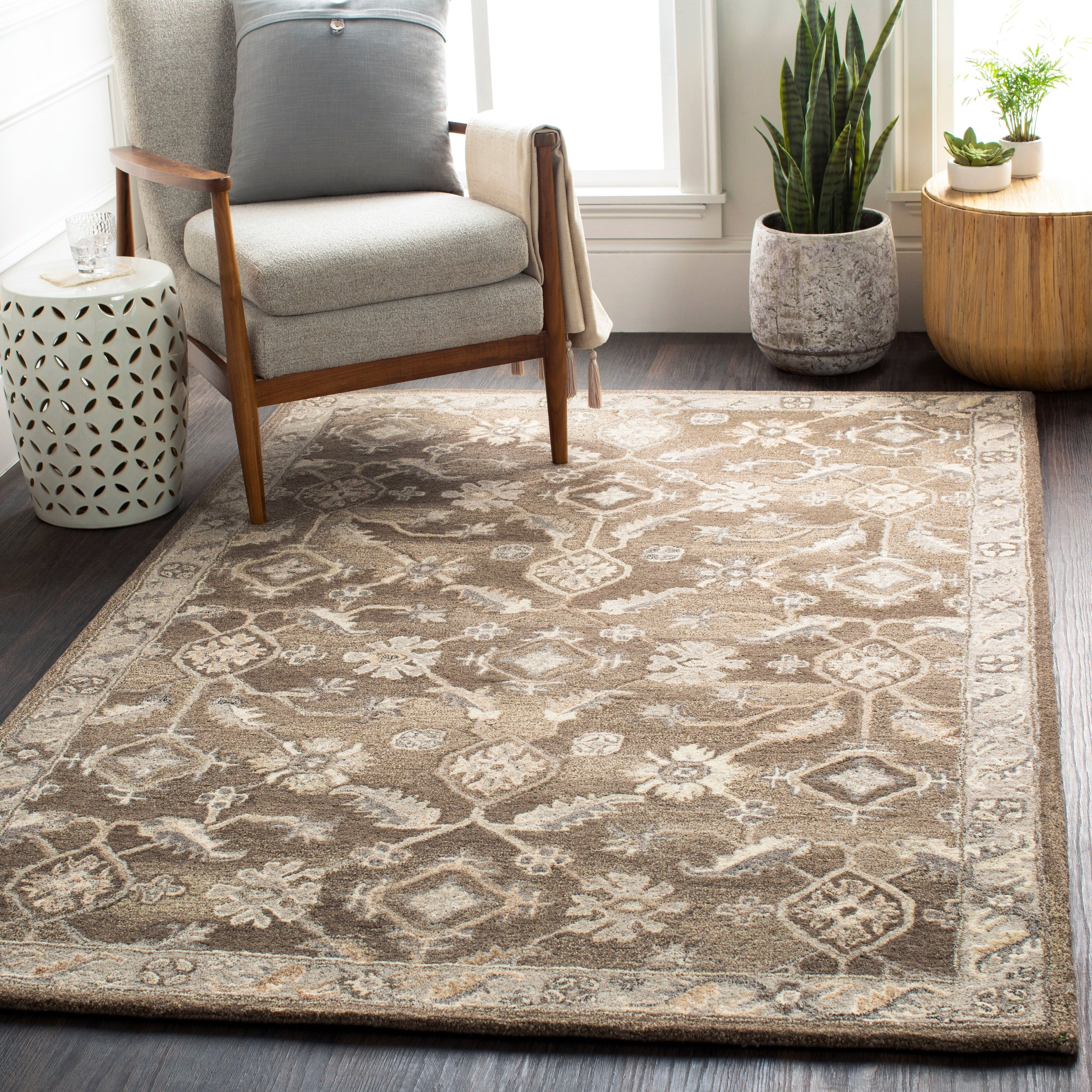 Gavin Traditional Wool Area Rug