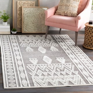 Raisa Geometric Moroccan Area Rug