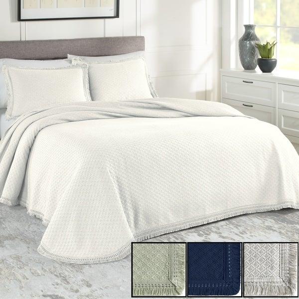 Realeza Woven Jacquard Bedspread Set. Opens flyout.