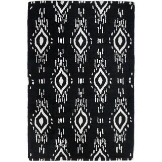 Handmade Surah Black Rug (India) - 4' x 6'