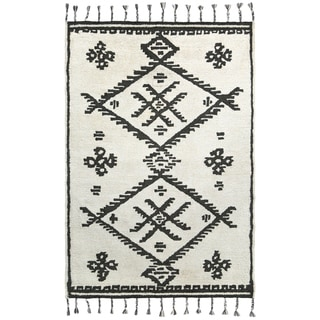 Handmade Simola Cream Area Rug (India) - 8' x 10'/Surplus