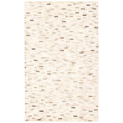 eCarpetGallery Handmade Cowhide Patchwork Ivory Leather Rug - 5'0 x 8'3