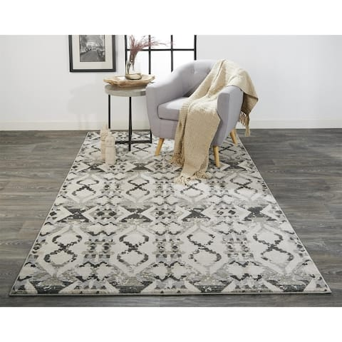 Grand Bazaar Lindstra Area Rug