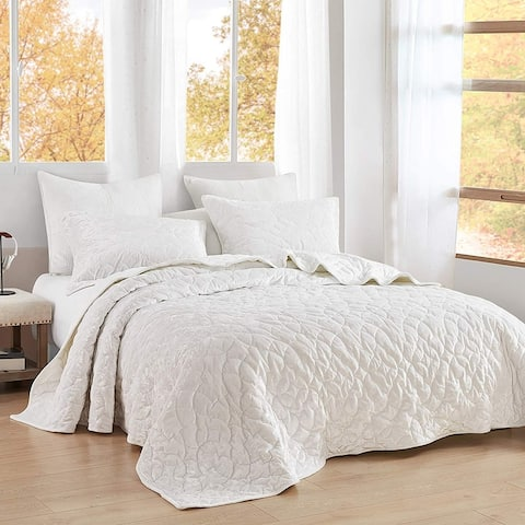Bare Bottom Velvet Crush Quilt - Farmhouse White