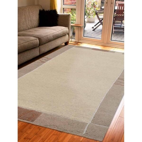 Bordered Tibbati Carpet Indian Oriental