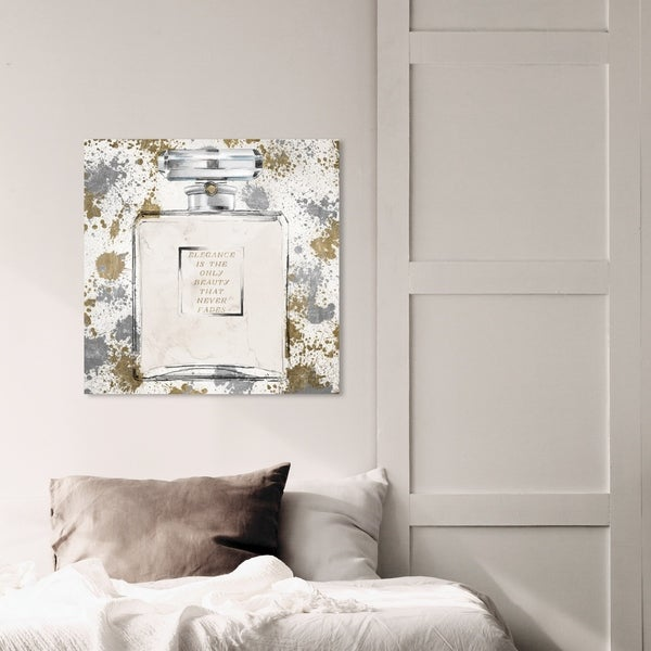 Oliver Gal 'Chic Spirit Metals' Fashion and Glam Wall Art Canvas Print - Gold, White