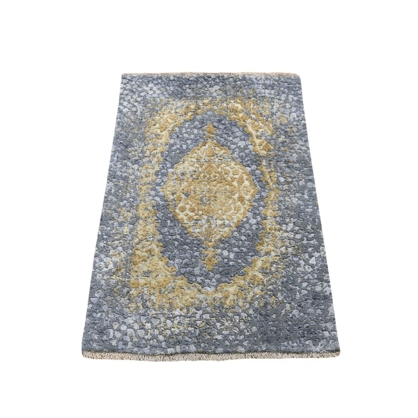 """Shahbanu Rugs Gray-Gold Persian Design Wool And Pure Silk Hand Knotted Oriental Rug (2'0"""" x 3'0"""") - 2'0"""" x 3'0"""""""
