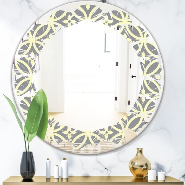 Designart 'Retro Ornamental Pattern II' Modern Round or Oval Wall Mirror - Leaves